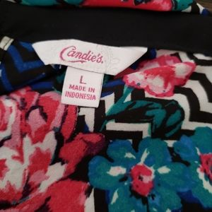 Candie's Tops - Candies blue and red floral blouse. Size Large